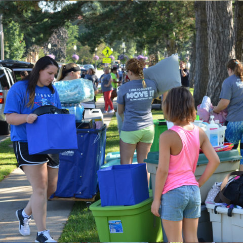 Clarke students moving their belongings into the dorms