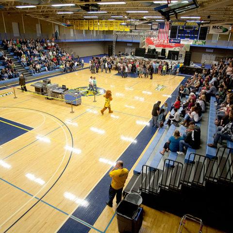 Kehl Center during Thompson Sqaure performance