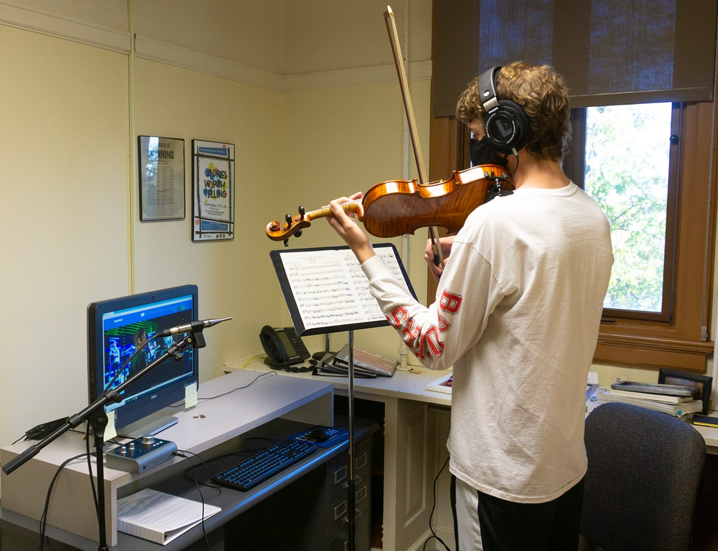 Clarke University Music students practicing for class.